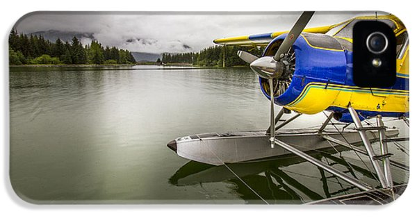 Idle Float Plane At Juneau Airport IPhone 5 / 5s Case by Darcy Michaelchuk