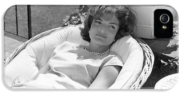 First Lady iPhone 5 Cases - Jacqueline Kennedy relaxing at Hyannis Port 1959. iPhone 5 Case by The Phillip Harrington Collection