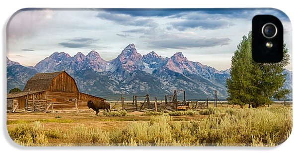 Tourism iPhone 5 Cases - John Moulton Barn - Grand Teton National Park iPhone 5 Case by Andres Leon