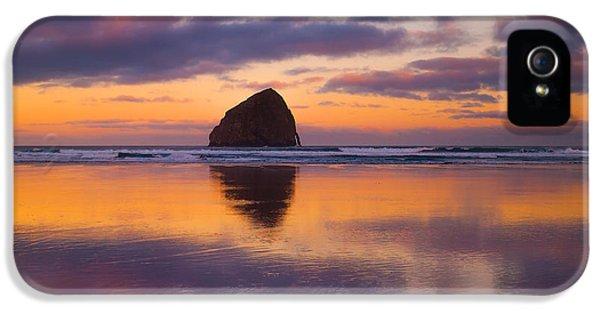 Oregon Coast Landscapes iPhone 5 Cases - Kiwanda Sunrise iPhone 5 Case by Darren  White