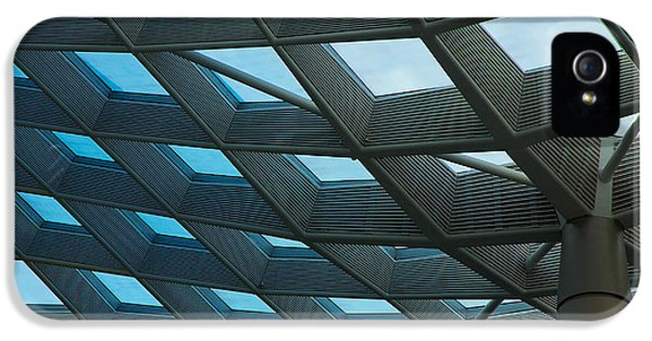 National Portrait Gallery iPhone 5 Cases - Kogod Courtyard Ceiling iPhone 5 Case by Stuart Litoff
