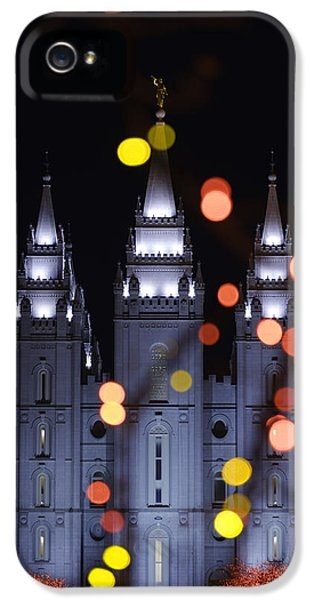 Looking Through Light IPhone 5 / 5s Case by Chad Dutson