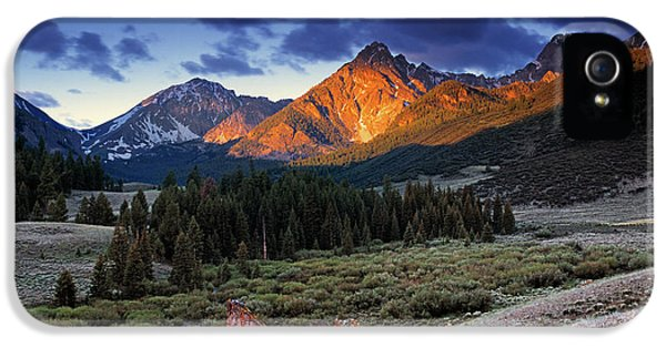 River iPhone 5 Cases - Lost River Mountains iPhone 5 Case by Leland D Howard