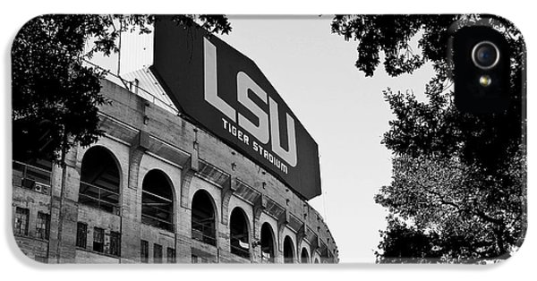 B iPhone 5 Cases - LSU Through the Oaks iPhone 5 Case by Scott Pellegrin