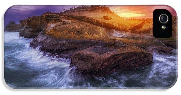Oregon Coast Landscapes iPhone 5 Cases - Magic of Kiwanda iPhone 5 Case by Darren  White