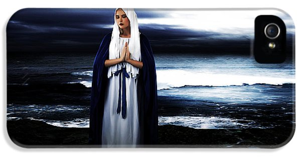 Aves iPhone 5 Cases - Mary by the Sea iPhone 5 Case by Cinema Photography