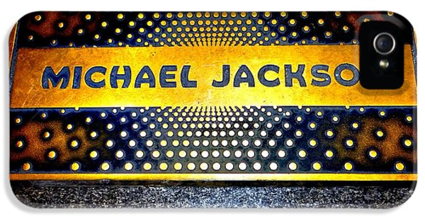 Michael Jackson Apollo Walk Of Fame IPhone 5 / 5s Case by Ed Weidman