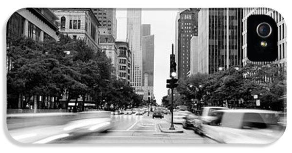 Il iPhone 5 Cases - Michigan Avenue, Chicago, Illinois, Usa iPhone 5 Case by Panoramic Images