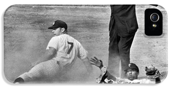 Mickey Mantle Steals Second IPhone 5 / 5s Case by Underwood Archives