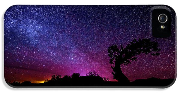 Astronomy iPhone 5 Cases - Moab Skies iPhone 5 Case by Chad Dutson