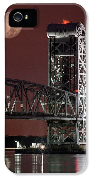 Gil iPhone 5 Cases - Moon over steel - Gil Hodges Memorial Bridge iPhone 5 Case by Gary Heller