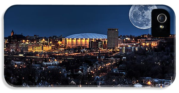 Moon Over The Carrier Dome IPhone 5 / 5s Case by Everet Regal