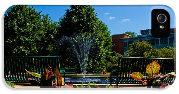 Msu Water Fountain IPhone 5 / 5s Case by John McGraw