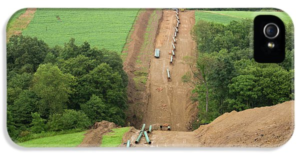 Natural Gas Pipeline Construction IPhone 5 / 5s Case by Jim West