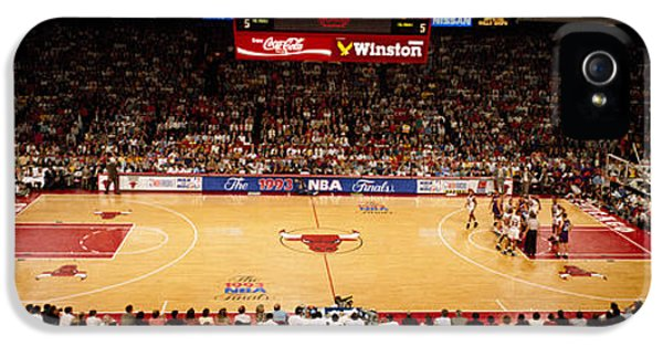 Chicago Bulls iPhone 5 Cases - Nba Finals Bulls Vs Suns, Chicago iPhone 5 Case by Panoramic Images