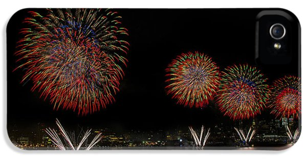Fire Works iPhone 5 Cases - New York City Celebrates the Fourth iPhone 5 Case by Susan Candelario