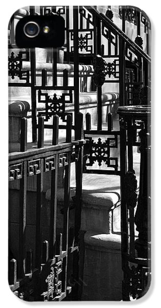 New York City Wrought Iron IPhone 5 / 5s Case by Rona Black