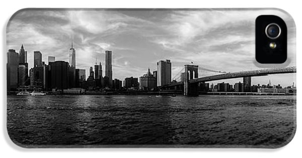 Skyscapes iPhone 5 Cases - New York Skyline iPhone 5 Case by Nicklas Gustafsson