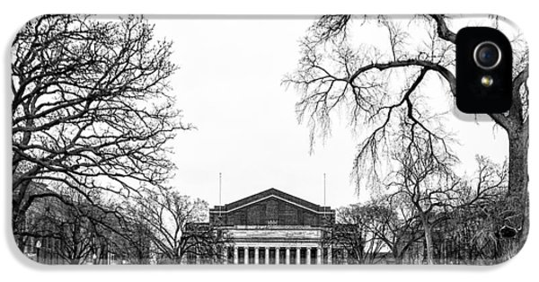 Northrop Auditorium At The University Of Minnesota IPhone 5 / 5s Case by Tom Gort