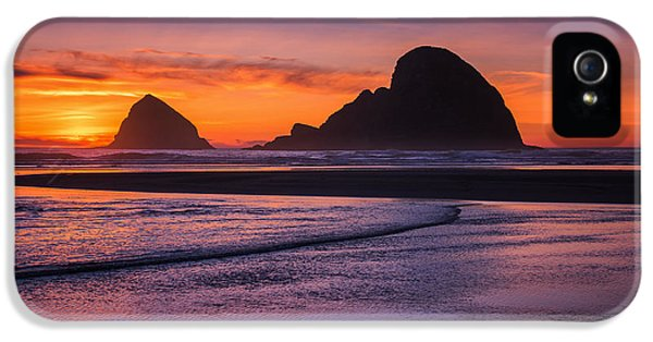 Oregon Coast iPhone 5 Cases - Oceanside Sunset iPhone 5 Case by Darren  White