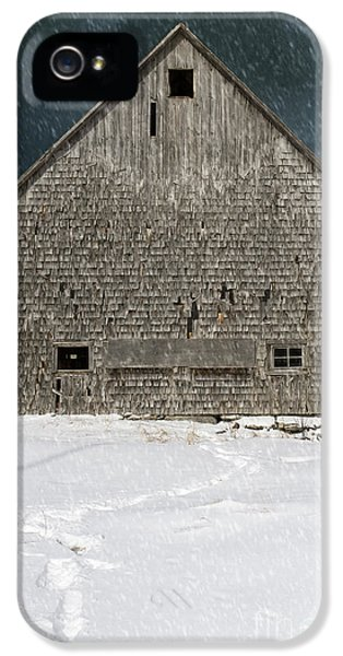 Thriller iPhone 5 Cases - Old barn in a snow storm iPhone 5 Case by Edward Fielding