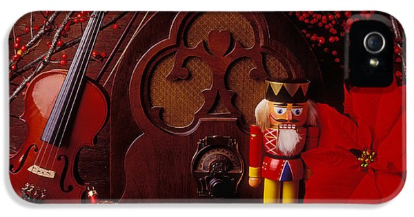 Old Raido And Christmas Nutcracker IPhone 5 / 5s Case by Garry Gay