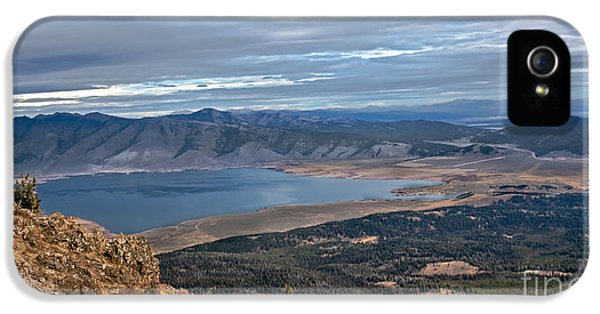 Caribou iPhone 5 Cases - Panoramic of Henrys Lake iPhone 5 Case by Robert Bales