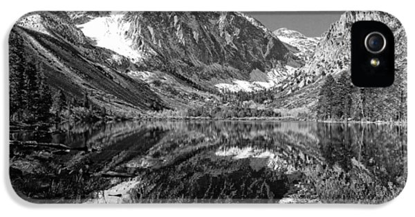 Parker Lake Black And White IPhone 5 / 5s Case by Scott McGuire