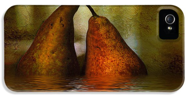 Pears In Water IPhone 5 / 5s Case by Kaye Menner