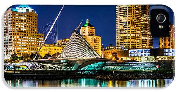 Picture Of Milwaukee Skyline At Night IPhone 5 / 5s Case by Paul Velgos