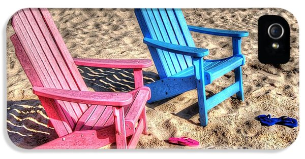 Micdesigns iPhone 5 Cases - Pink and blue Beach Chairs with matching Flip Flops iPhone 5 Case by Michael Thomas