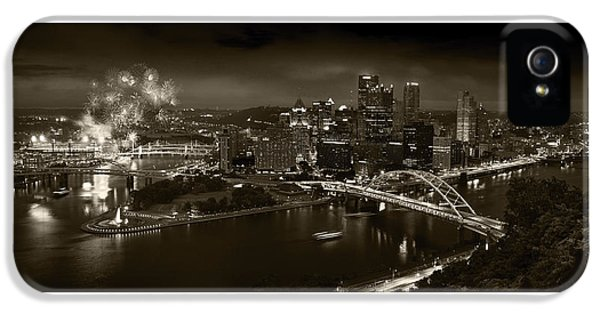 Pittsburgh P A  B W IPhone 5 / 5s Case by Steve Gadomski