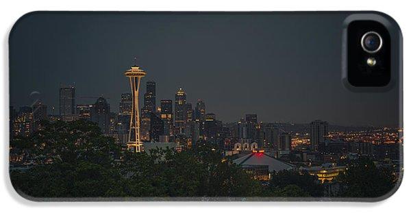 Skyline iPhone 5 Cases - Pre-dawn Seattle iPhone 5 Case by Gene Garnace