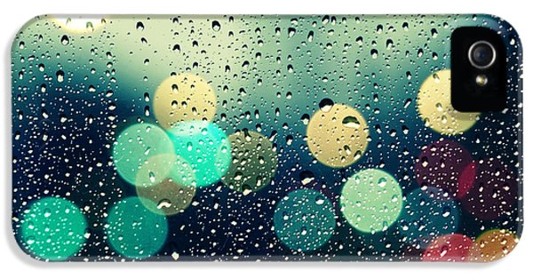 Rain.window iPhone 5 Cases - Rain and the city iPhone 5 Case by Beata  Czyzowska Young