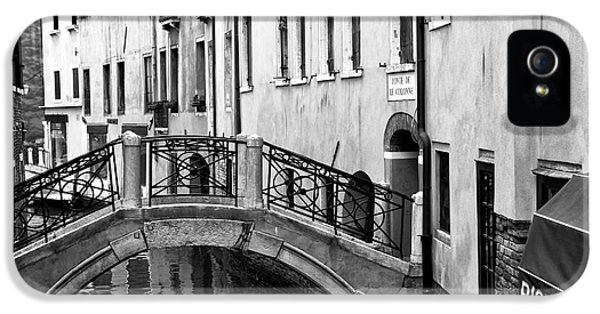 Ristorante iPhone 5 Cases - Ristorante on the Canal iPhone 5 Case by John Rizzuto