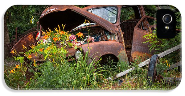 Rusty Truck Flower Bed - Charming Rustic Country IPhone 5 / 5s Case by Gary Heller