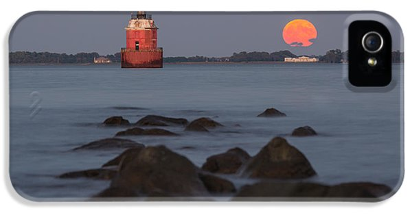 House Md iPhone 5 Cases - Sandy Point Lighthouse Moonrise iPhone 5 Case by Jennifer Casey