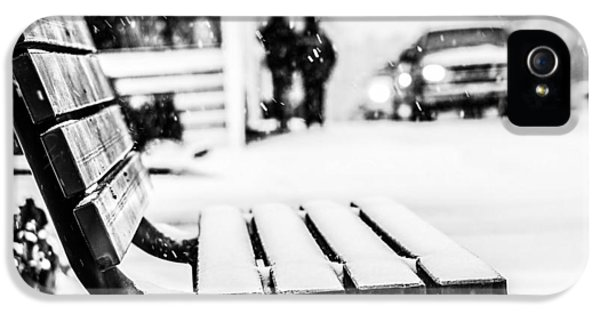 Snowy Bench IPhone 5 / 5s Case by Shelby  Young