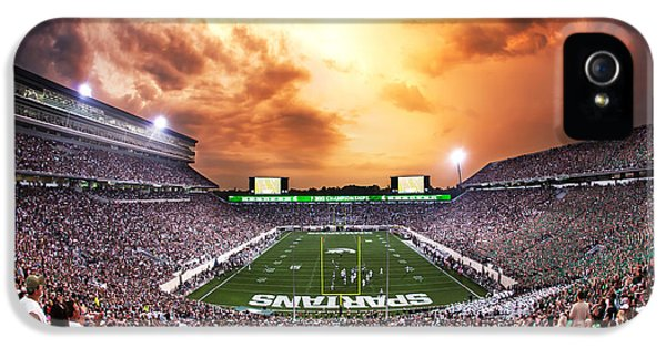 Spartan Stadium IPhone 5 / 5s Case by Rey Del Rio