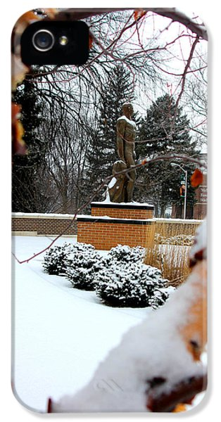 Sparty In The Winter IPhone 5 / 5s Case by John McGraw