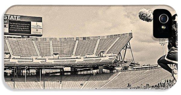 Stadium Cheer Black And White IPhone 5 / 5s Case by Tom Gari Gallery-Three-Photography