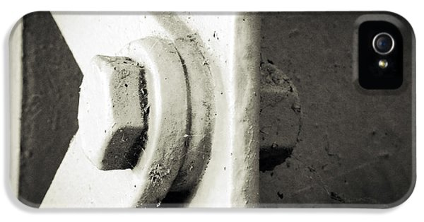 Steel iPhone 5 Cases - Steel girder iPhone 5 Case by Les Cunliffe