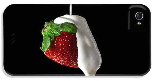 Fresas iPhone 5 Cases - Strawberry and cream iPhone 5 Case by Monica Quintana
