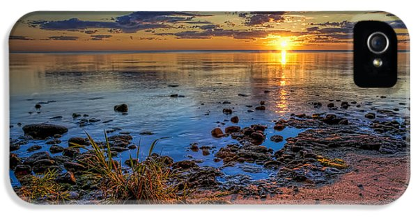 Sunrise Over Lake Michigan IPhone 5 / 5s Case by Scott Norris