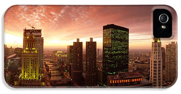 Il iPhone 5 Cases - Sunset Cityscape Chicago Il Usa iPhone 5 Case by Panoramic Images