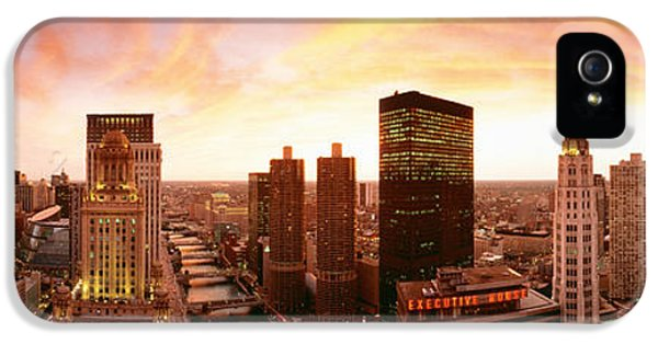 Il iPhone 5 Cases - Sunset Skyline Chicago Il Usa iPhone 5 Case by Panoramic Images