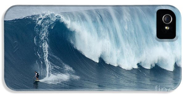 Bob Christopher iPhone 5 Cases - Surfing Jaws 5 iPhone 5 Case by Bob Christopher