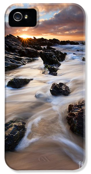 Surrounded By The Tides IPhone 5 / 5s Case by Mike  Dawson