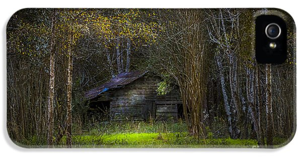 Farmland iPhone 5 Cases - That Old Barn iPhone 5 Case by Marvin Spates