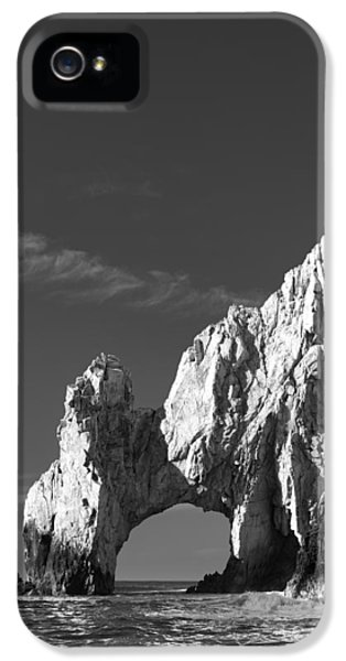 The Arch In Black And White IPhone 5 / 5s Case by Sebastian Musial